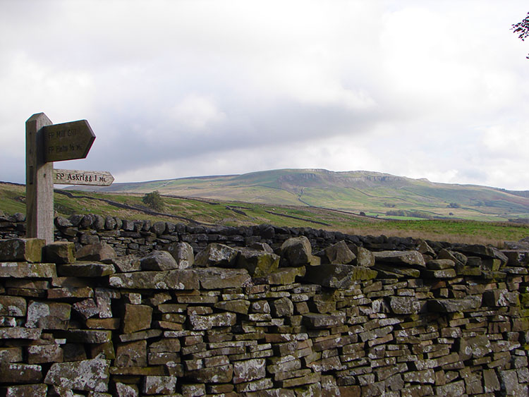 The way back to Askrigg is on Low Straights Lane