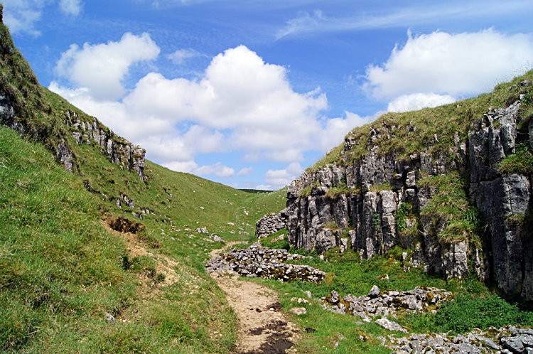 Following the Pennine Way to Malham Cove