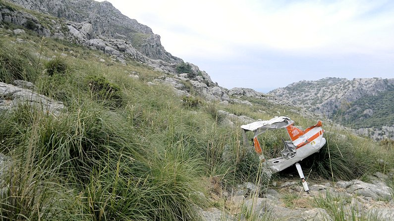 Light aircraft wreckage in the Mallorca mountains