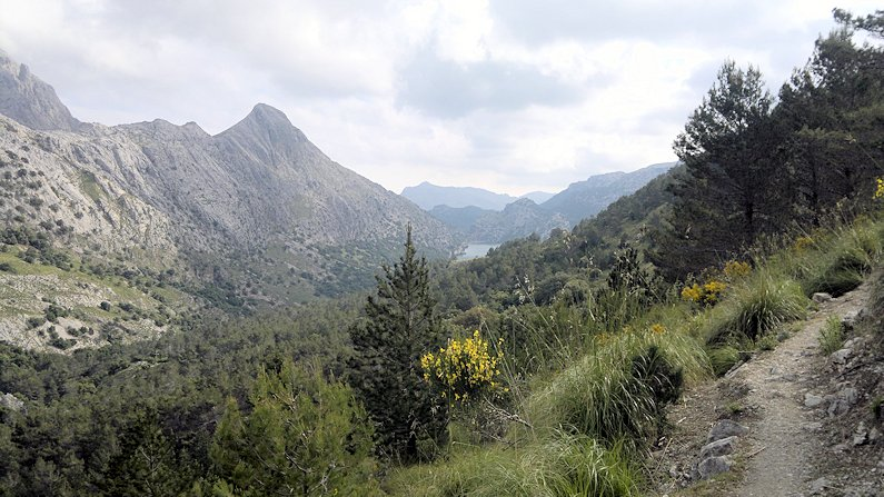 The amazing scenery of Mallorca unfolds