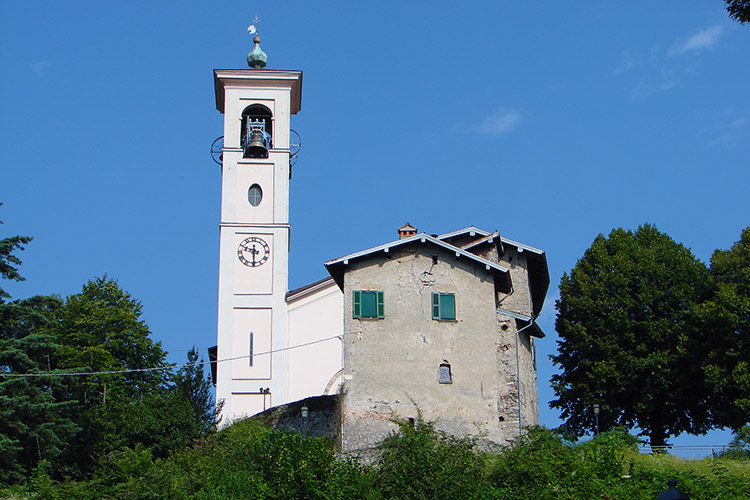 We passed Codogna Church on our prelude walk up to Naggio