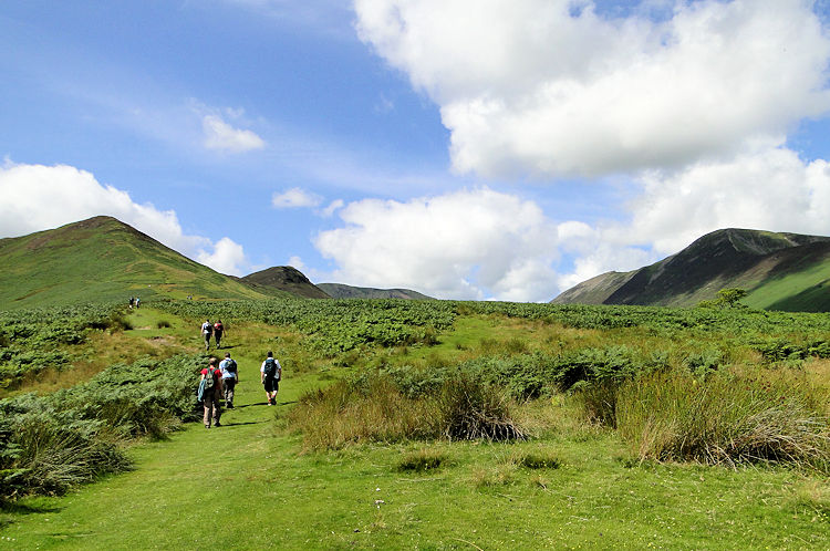 Walking from High Coledale to Barrow Door