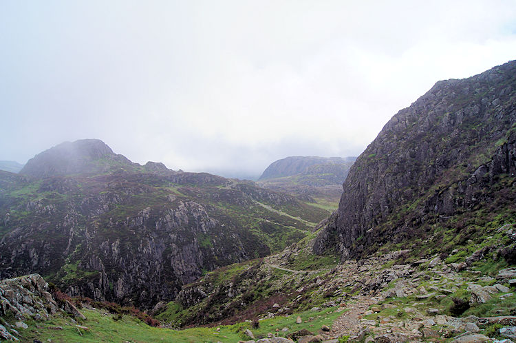 The path between Green Crag and Great Round How