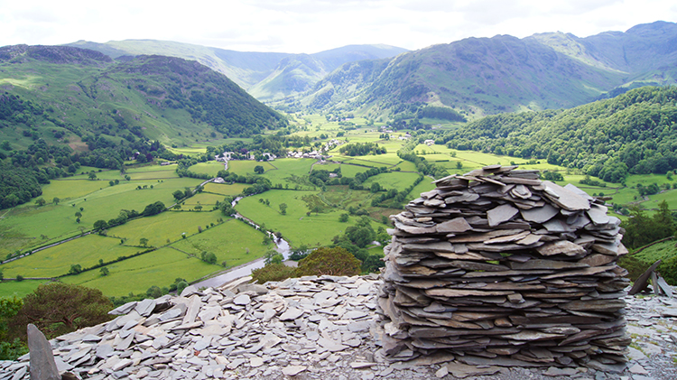 Cairn viewpoint on Castle Crag