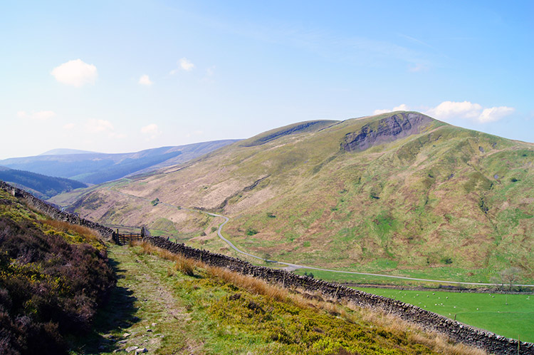 Middle Knoll and Blue Scar