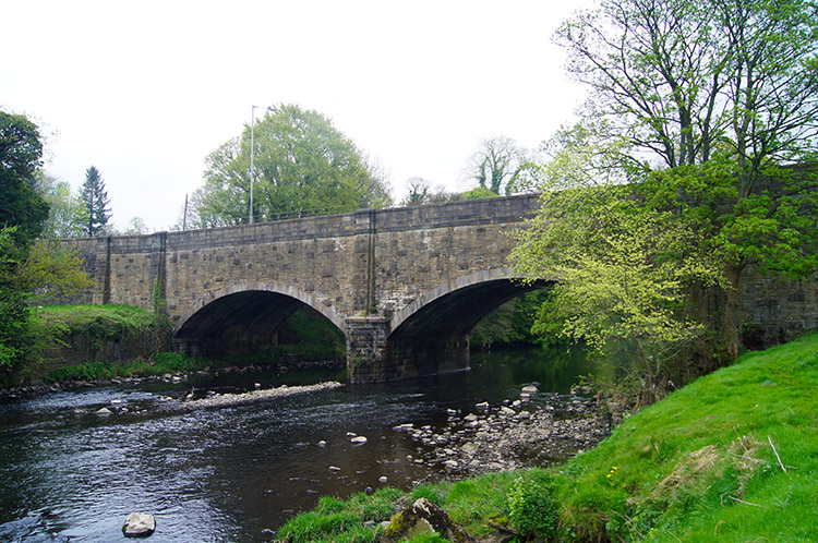 Cock Bridge and River Calder