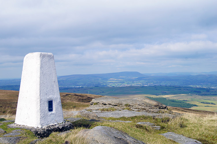 Lad Law trig point