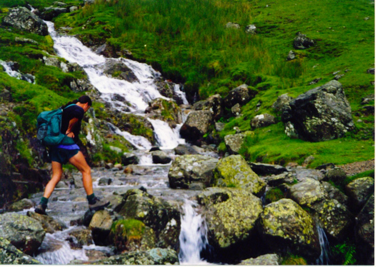 Deke crosses a feeder stream to Greenup Gill