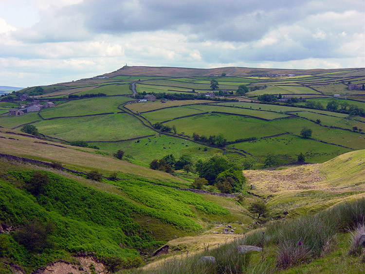 View from Lumb to Wainman's Pinnacle