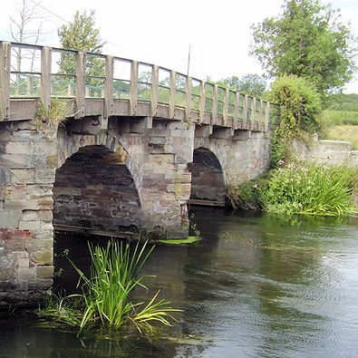 Yoxall Bridge over the river Trent
