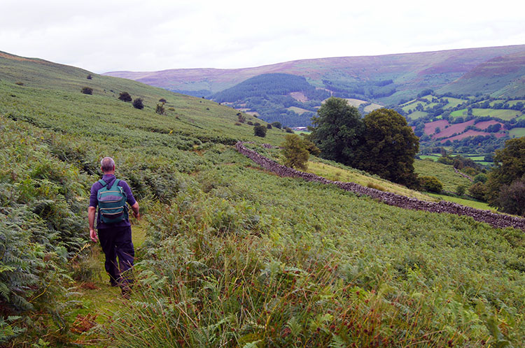 Following the track from Table Mountain to Neuadd-fawr
