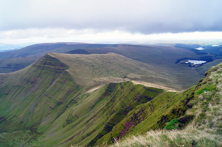 Looking towards Cribyn from Pen y Fan