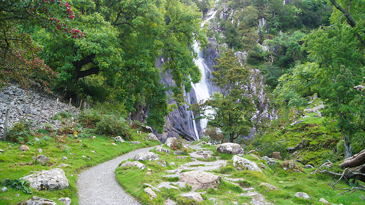 Aber Falls straight ahead