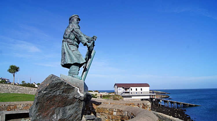 Moelfre Lifeboatman Statue and Seawatch Centre