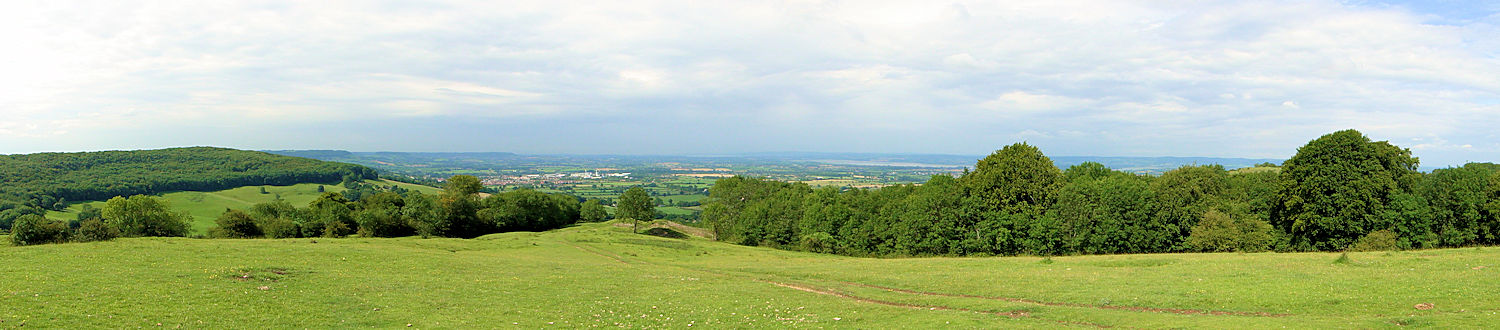 Approaching the panoramic viewpoint on Haresfield Beacon
