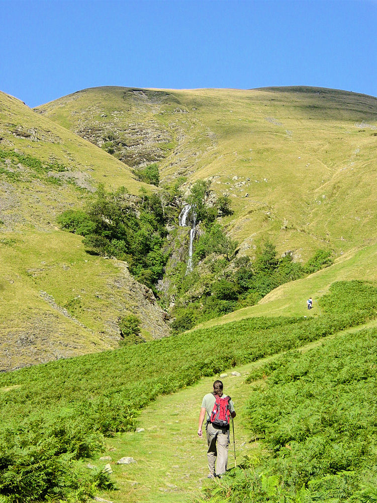 Deke on the approach to Cautley Spout