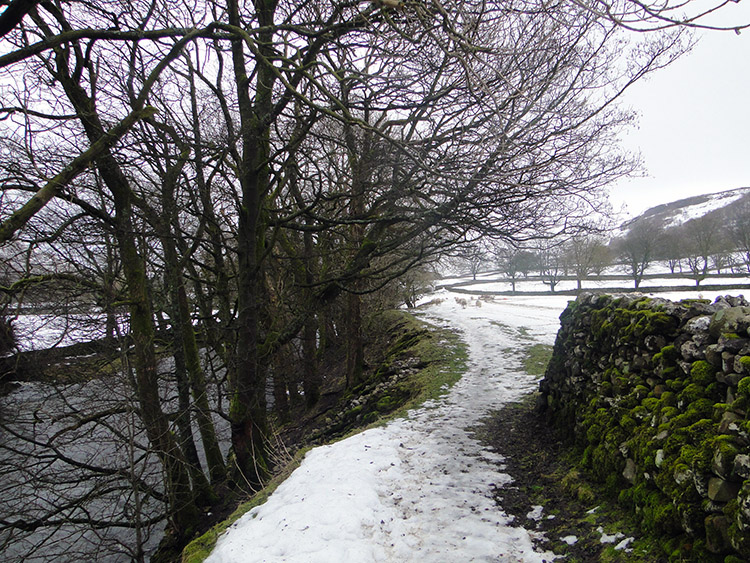 Leaving Arncliffe following the River Skirfare
