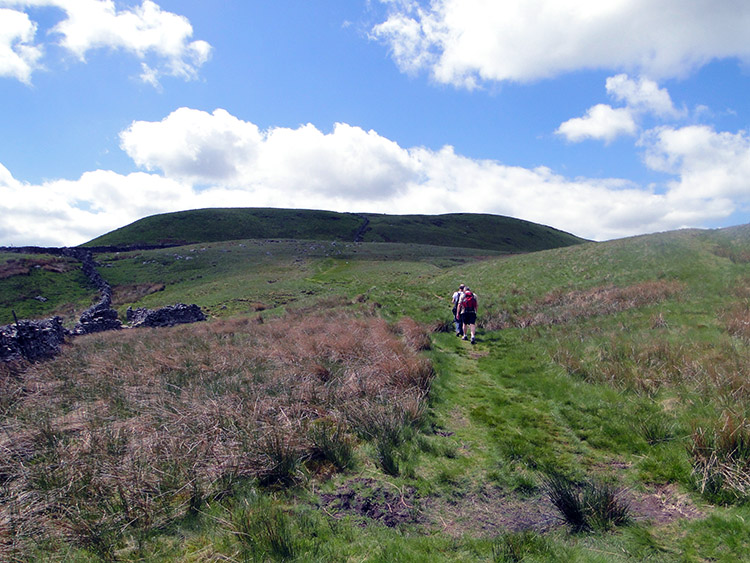 Climbing on the Pennine Way to Dodd Fell