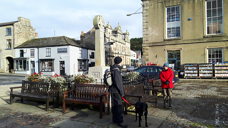 Setting off from the centre of Leyburn