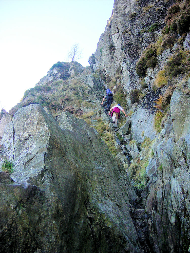 Climbers begin the ascent of Jack's Rake
