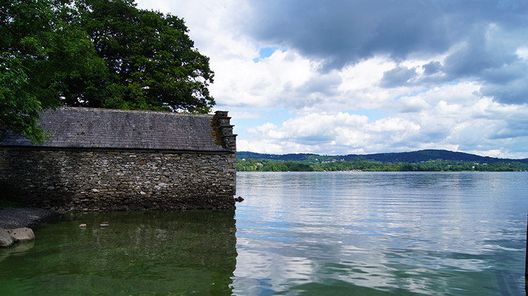 Waterside barn on Windermere