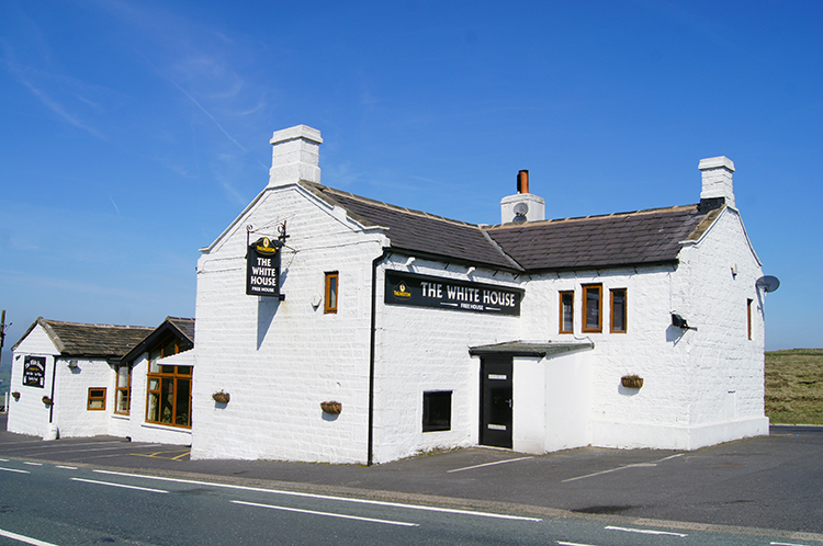 White Horse Hotel on Blackstone Edge Moor