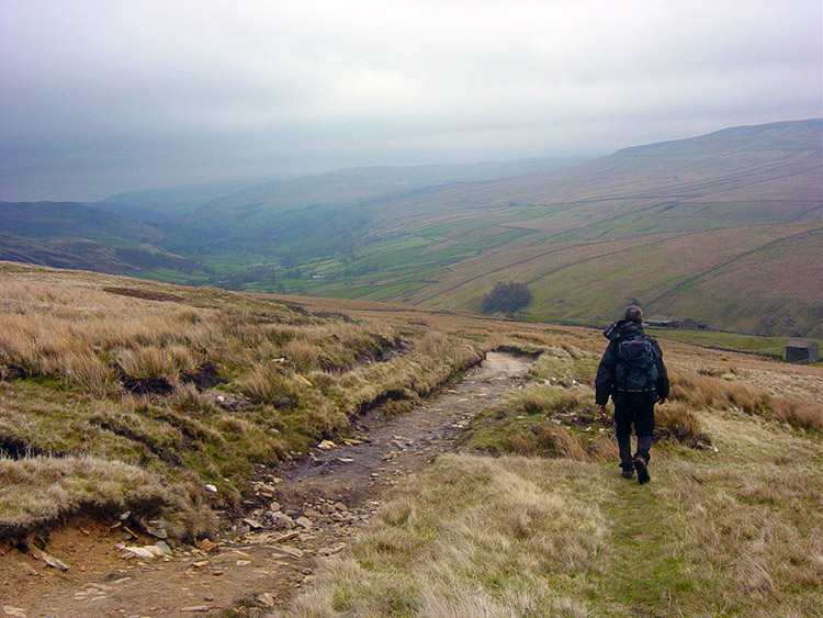 Descending Great Shunner Fell to Swaledale