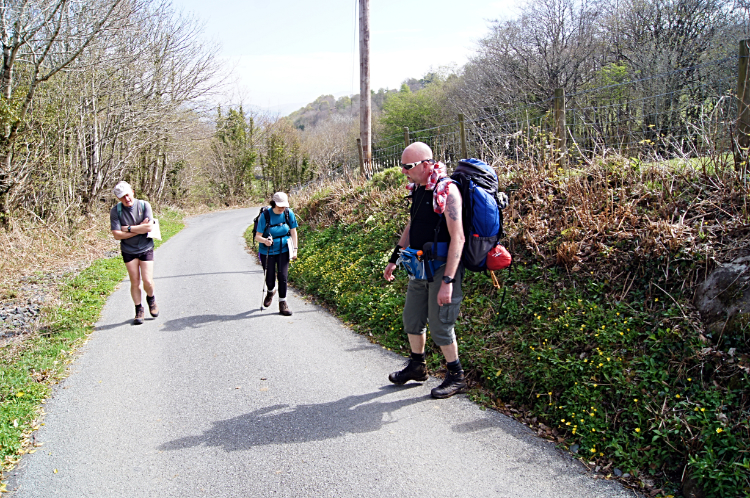 Meeting fellow walkers on the road to Gelliwyd Fawr