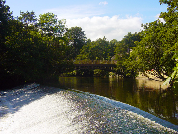 Weir on the River Aire near Newlay Bridge