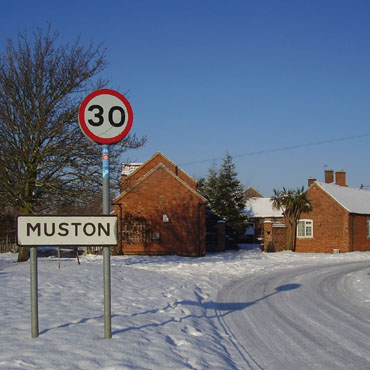 Leaving Muston to the east of the village