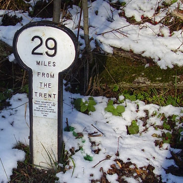 Milepost 29 a modern copy, note miles from the Trent