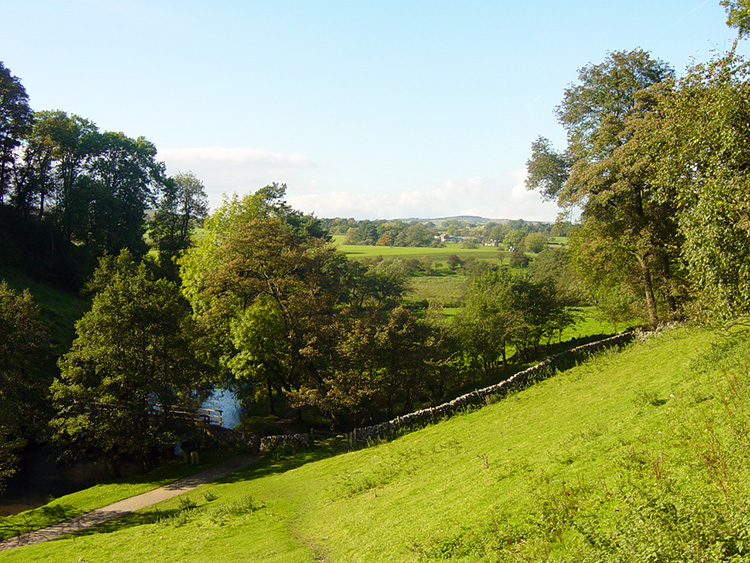 The view from the end of Wolfscote Dale