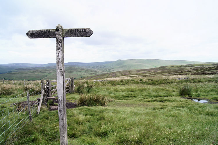 Weathered waypost on the way to Lost Lad