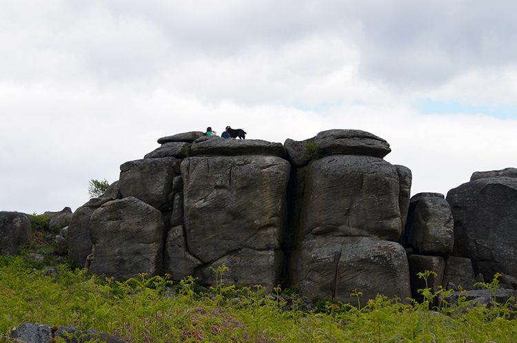 Popular gritstone feature near Gardom's Edge