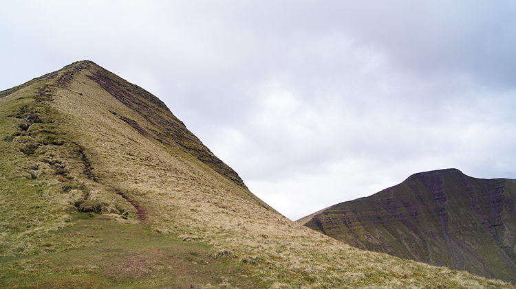 View back to Cribyn and Pen y Fan