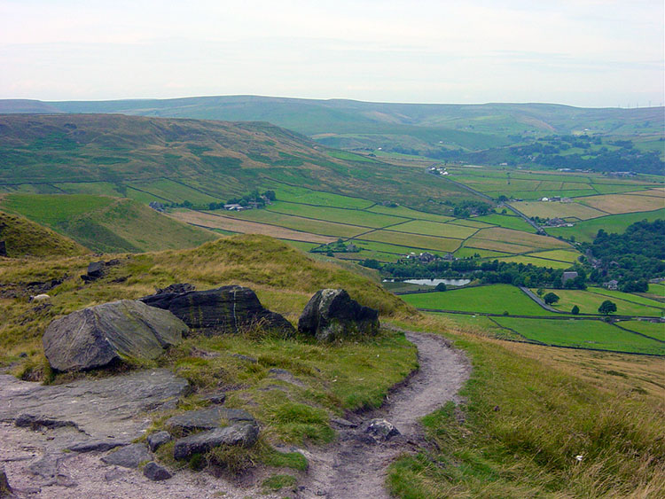 Following the path to Lumbutts from Stoodley Pike