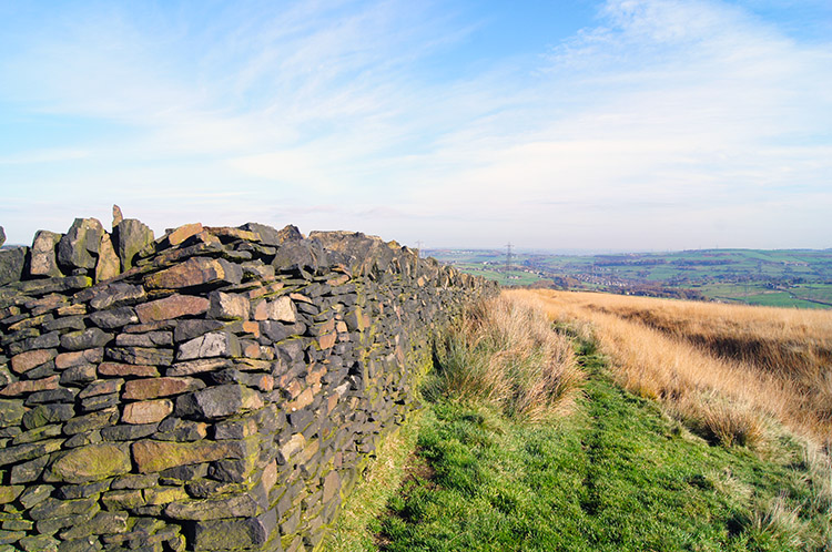 Dry stone wall near Mires Delph Quarry